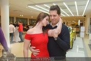 Dancer against Cancer Kalender - BMW Wien - Mi 25.02.2015 - Daniel SERAFIN, Roxanne RAPP90