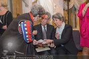Ausstellung ´Die Kammermaler´ - Albertina - Do 26.02.2015 - Margit und Heinz FISCHER geben Autogramme93