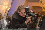 Filmball Cocktail - Kempinski Vienna - Do 12.03.2015 - Herbert WALLNER (Kamera, beim Fotografieren)25