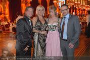 Vienna Filmball - Rathaus - Sa 14.03.2015 - Rebecca RAPP, Manfred LUGER, Frenkie und Romana SCHINKELS1