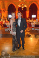 Vienna Filmball - Rathaus - Sa 14.03.2015 - Serge FALCK mit Freundin Katrin BUCHEBNER11