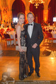 Vienna Filmball - Rathaus - Sa 14.03.2015 - Serge FALCK mit Freundin Katrin BUCHEBNER2