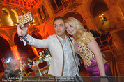 Vienna Filmball - Rathaus - Sa 14.03.2015 - Julian F.M. STOECKEL, Iva SCHELL (Selfie)256