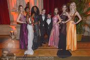 Vienna Filmball - Rathaus - Sa 14.03.2015 - Nhut LA HONG mit Models77