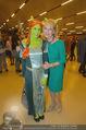 Shrek Premiere - Wiener Stadthalle - Di 17.03.2015 - Dagmar SCHELLENBERGER, Dagmar KOLLER, Shrekfigur10