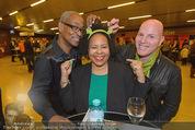 Shrek Premiere - Wiener Stadthalle - Di 17.03.2015 - Eddie COLE, Kim COOPER mit Freund16