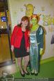Shrek Premiere - Wiener Stadthalle - Di 17.03.2015 - Nora FREY mit Shrekfigur31