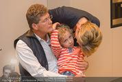 Farewell Surovi - Grand Hotel - Fr 20.03.2015 - Familie Martina und Kari HOHENLOHE mit Sohn Louis29