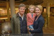 Farewell Surovi - Grand Hotel - Fr 20.03.2015 - Familie Martina und Kari HOHENLOHE mit Sohn Louis39