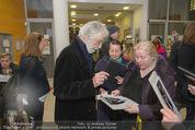 Kinopremiere ´Ma Folie´ - Urania Kino - Di 24.03.2015 - Michael HANEKE gibt Autogramme27