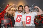 High5 Opening - High5 Fitnesscenter Wien - Fr 27.03.2015 - Andie GABAUER mit Muskel-Model50