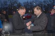 Kinopremiere ´Drei Eier im Glas´ - Gartenbaukino - Di 07.04.2015 - Christoph GRISSEMANN gibt Autogramme18