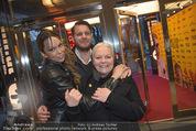 Kinopremiere ´Drei Eier im Glas´ - Gartenbaukino - Di 07.04.2015 - Brigitte Gitti KREN mit Sohn Marvin und Schwiegertochter Kiri2