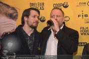 Kinopremiere ´Drei Eier im Glas´ - Gartenbaukino - Di 07.04.2015 - Christoph GRISSEMANN trinkt Bier23