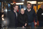 Kinopremiere ´Drei Eier im Glas´ - Gartenbaukino - Di 07.04.2015 - Brigitte Gitti KREN mit Sohn Marvin, Andreas PATTON4