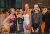 Dancer against Cancer - Hofburg - Sa 11.04.2015 - Natascha OCHSENKNECHT mit Tochter Cheyenne Savannah16