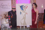 Dancer against Cancer - Hofburg - Sa 11.04.2015 - Amina DAGI mit ihrem Bild, Walter HACHLEITNER374