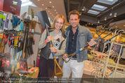 Opening - TK Maxx SCS - Mi 22.04.2015 - Volker PIESCZEK, Liliana KLEIN13