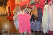 Opening - TK Maxx SCS - Mi 22.04.2015 - Chiara PISATI mit Mutter Patricia (schwanger)19