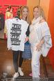 Opening - TK Maxx SCS - Mi 22.04.2015 - Chiara PISATI mit Mutter Patricia (schwanger)23