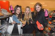 Opening - TK Maxx SCS - Mi 22.04.2015 - Amina DAGI, Chiara PISATI, Katharina NAHLIK4
