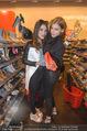 Opening - TK Maxx SCS - Mi 22.04.2015 - Amina DAGI, Katharina NAHLIK5