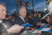 Kinopremiere - Urania - Do 23.04.2015 - Alan RICKMAN schreibt Autogramme19