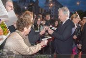 Kinopremiere - Urania - Do 23.04.2015 - Alan RICKMAN schreibt Autogramme23