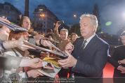 Kinopremiere - Urania - Do 23.04.2015 - Alan RICKMAN schreibt Autogramme25