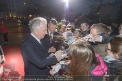 Kinopremiere - Urania - Do 23.04.2015 - Alan RICKMAN schreibt Autogramme28
