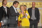 Romy Akademiepreise - Hofburg - Do 23.04.2015 - Puls4-Team auf der B�hne, Markus BREITENECKER, Elisabeth G�RTL46