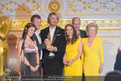 Romy Akademiepreise - Hofburg - Do 23.04.2015 - Puls4-Team auf der B�hne, Markus BREITENECKER, Elisabeth G�RTL56