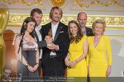 Romy Akademiepreise - Hofburg - Do 23.04.2015 - Puls4-Team auf der B�hne, Markus BREITENECKER, Elisabeth G�RTL57
