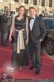 Romy Gala 2015 - Red Carpet - Hofburg - Sa 25.04.2015 - Serge FALCK mit Begleitung10