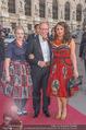 Romy Gala 2015 - Red Carpet - Hofburg - Sa 25.04.2015 - Simon SCHWARZ mit Tochter Helene und Freundin Magdalena (?)107
