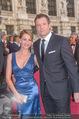 Romy Gala 2015 - Red Carpet - Hofburg - Sa 25.04.2015 - Armin ASSINGER mit Freundin Sandra SCHRANZ111