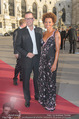 Romy Gala 2015 - Red Carpet - Hofburg - Sa 25.04.2015 - Florens EBLINGER, Arabella KIESBAUER2