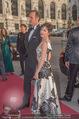 Romy Gala 2015 - Red Carpet - Hofburg - Sa 25.04.2015 - Julia CENCIG mit Begleitung37