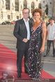 Romy Gala 2015 - Red Carpet - Hofburg - Sa 25.04.2015 - Florens EBLINGER, Arabella KIESBAUER4
