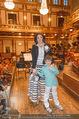 Hibla Gerzmava Charity - Musikverein - Do 30.04.2015 - Anna NETREBKO mit Sohn Tiago (zum 1. mal in einem Klassikkonzert4