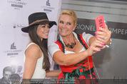 Opening - Luxus Lashes - Di 05.05.2015 - Fernanda BRANDAO, Claudia EFFENBERG35