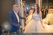 Opening - Vera Wang Steinecker - Di 05.05.2015 - Peter RAPP mit Tochter Roxanne (im Brautkleid)40