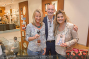 Bettina Assinger Kollektion - Jones Store - Di 12.05.2015 - Doris und Gabor ROSE, Andrea BOCAN105
