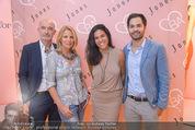 Bettina Assinger Kollektion - Jones Store - Di 12.05.2015 - Familie Doris, Gabor, Jennifer, Daniel ROSE21