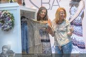 Bettina Assinger Kollektion - Jones Store - Di 12.05.2015 - Bettina ASSINGER, Doris ROSE32