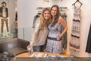 Bettina Assinger Kollektion - Jones Store - Di 12.05.2015 - Andrea BOCAN, Bettina ASSINGER64
