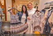 Bettina Assinger Kollektion - Jones Store - Di 12.05.2015 - Barbara REICHARD, Eva WEGROSTEK69