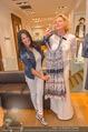 Bettina Assinger Kollektion - Jones Store - Di 12.05.2015 - Barbara REICHARD, Eva WEGROSTEK70