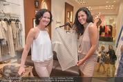 Bettina Assinger Kollektion - Jones Store - Di 12.05.2015 - Eva GLAWISCHNIG, Jennifer ROSE92