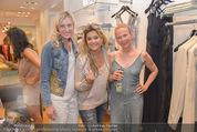 Bettina Assinger Kollektion - Jones Store - Di 12.05.2015 - Milene PLATZER, Jennifer ROSE, Tina KONSEL93